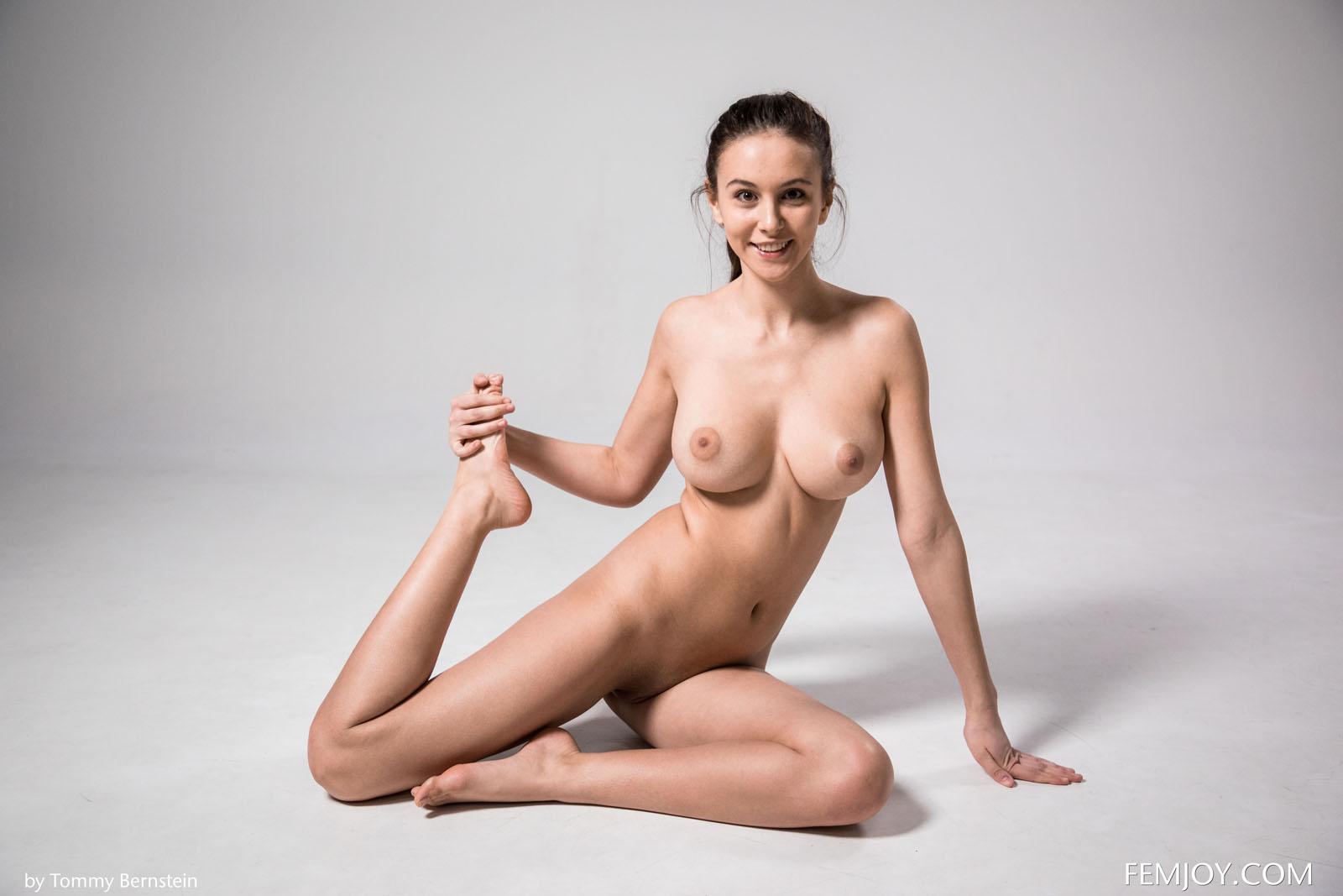 Alisa I Nude Exercise Femjoy 12-1565