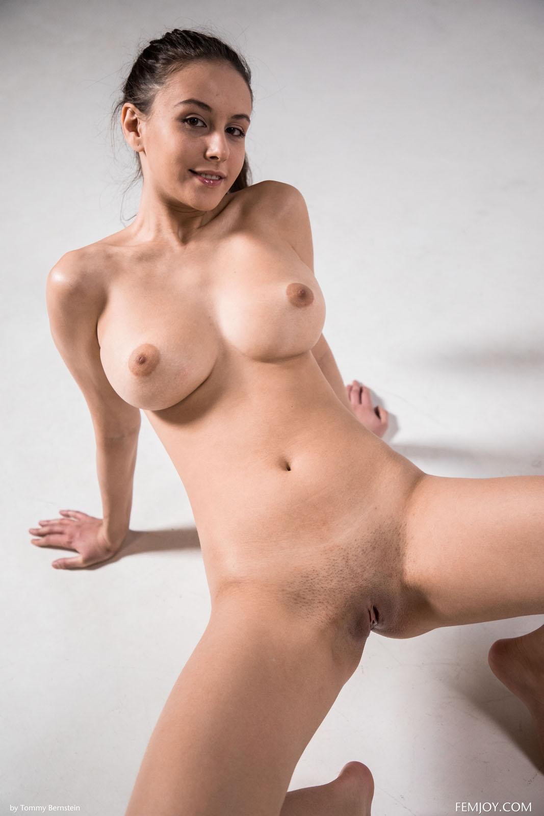 Alisa I Nude Exercise Femjoy 4-7803