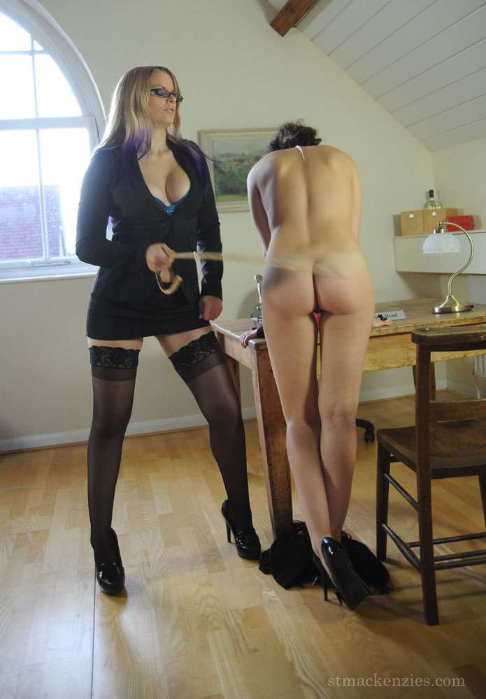 Blonde milf live stripped for free