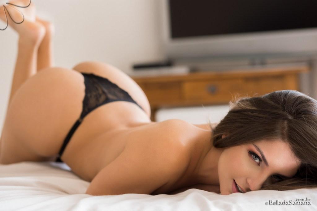 Click here to see Beatriz Aguiar Nude @ Bella Club