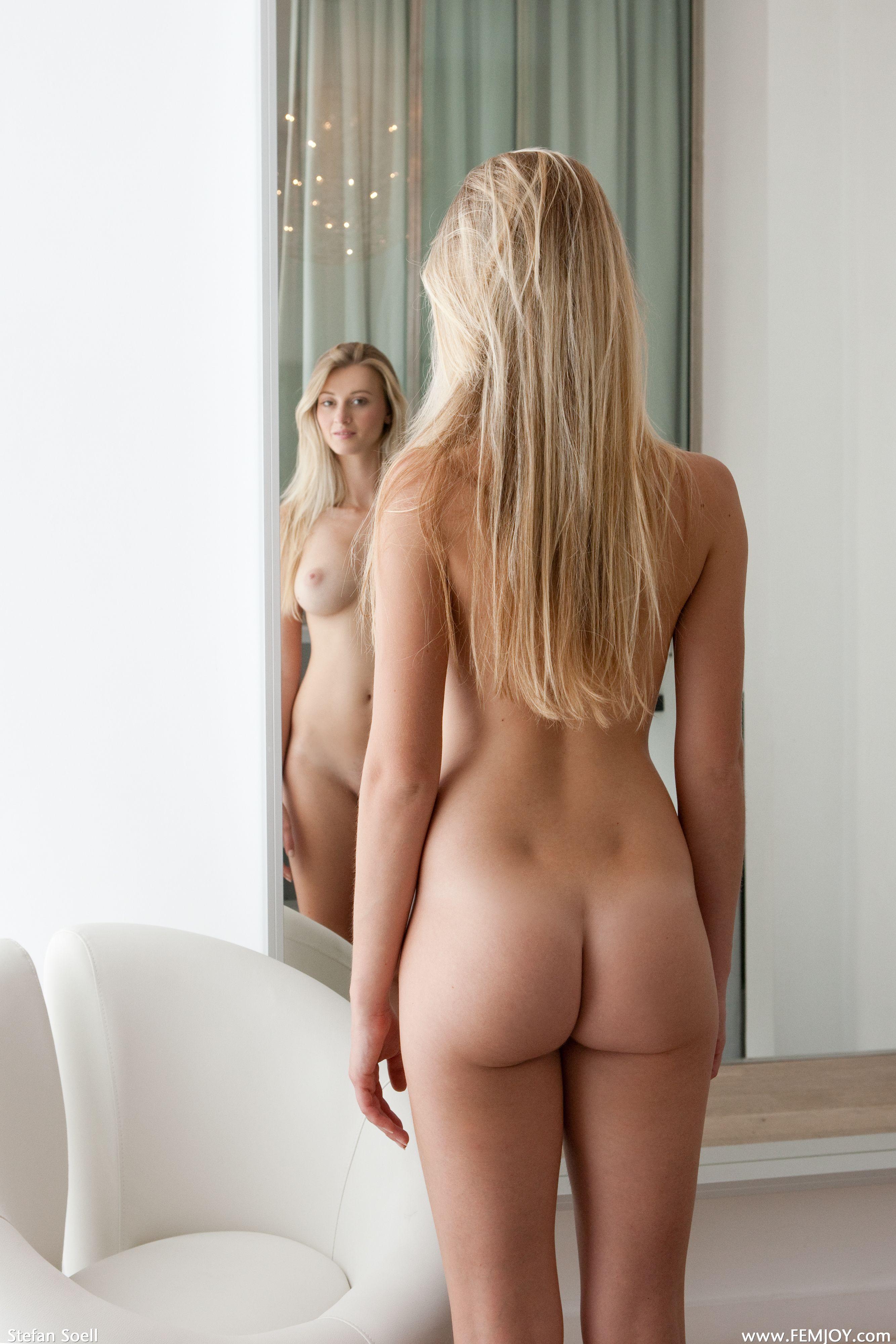 Carisha femjoy nude model good