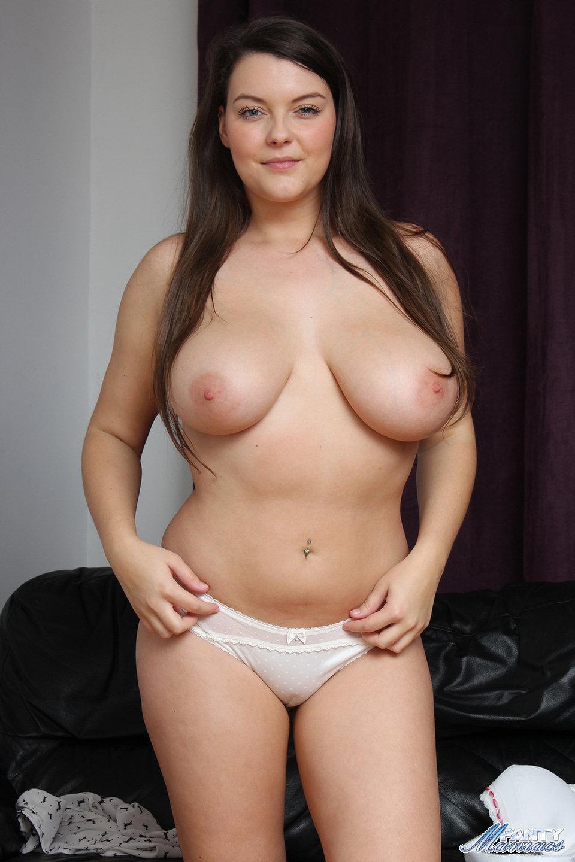 hot mature woman anal masturbating