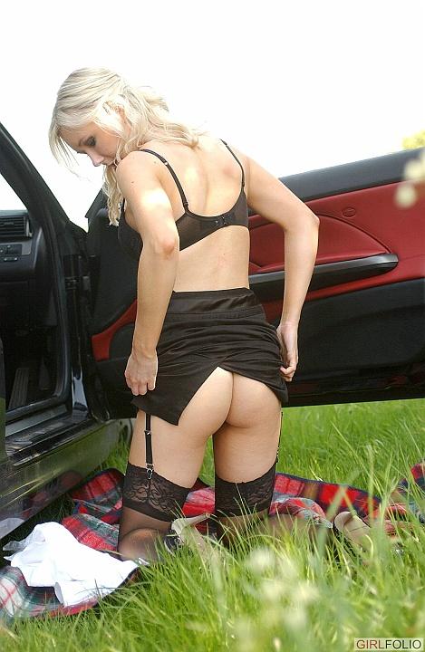 http://www.cherrynudes.com/chloe-boss-lady/8.jpg