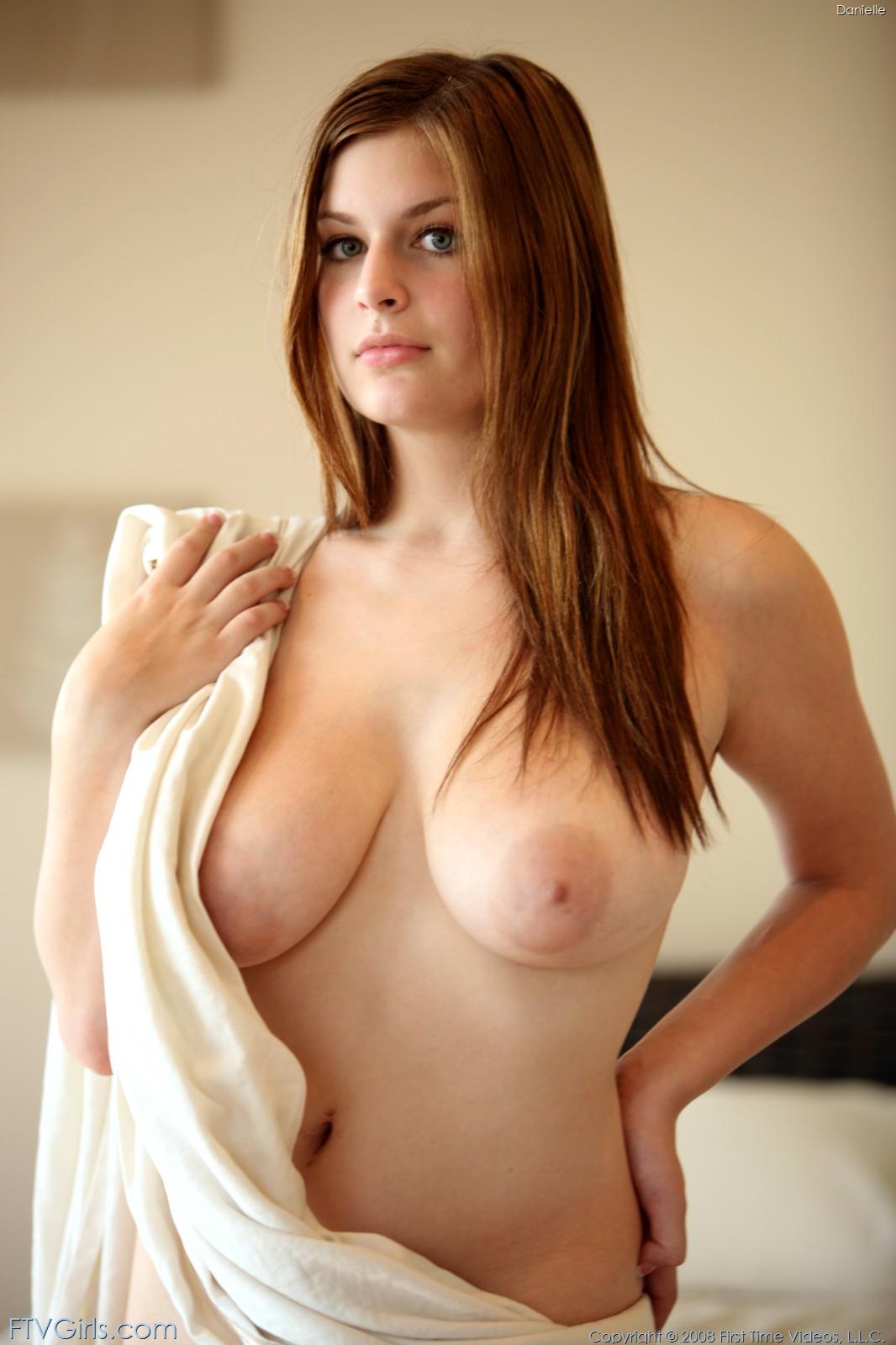 Ftv naked model