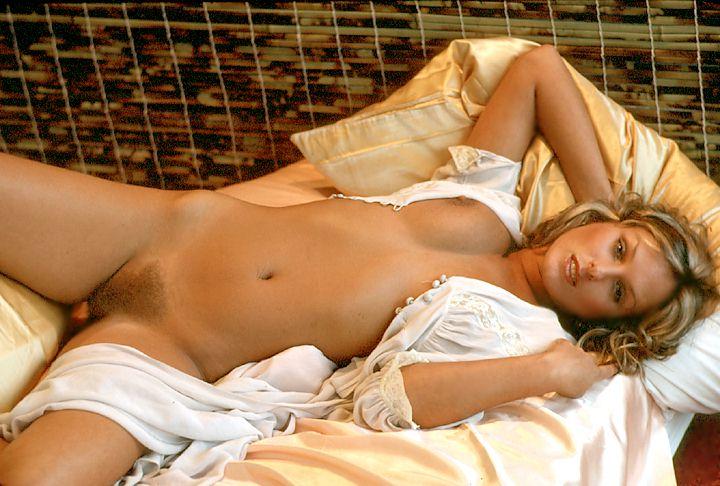 beauty girl sexy naked dance webcam