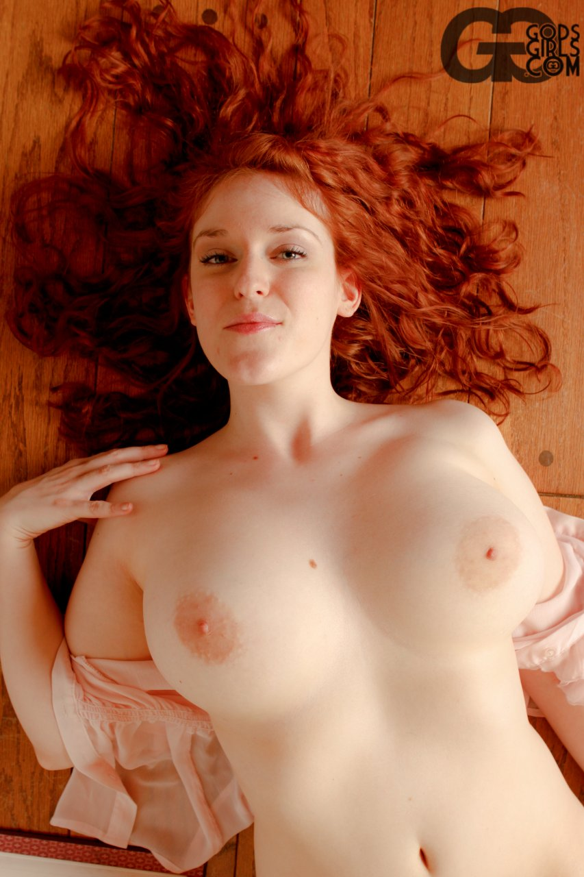 Favo DP`s beautiful redhaired busty librarian Jessi