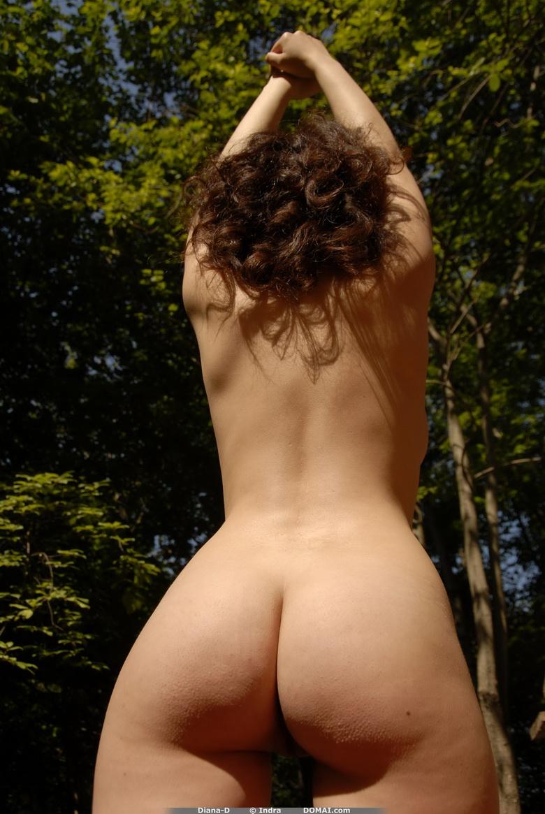 Skinny girls twerking naked