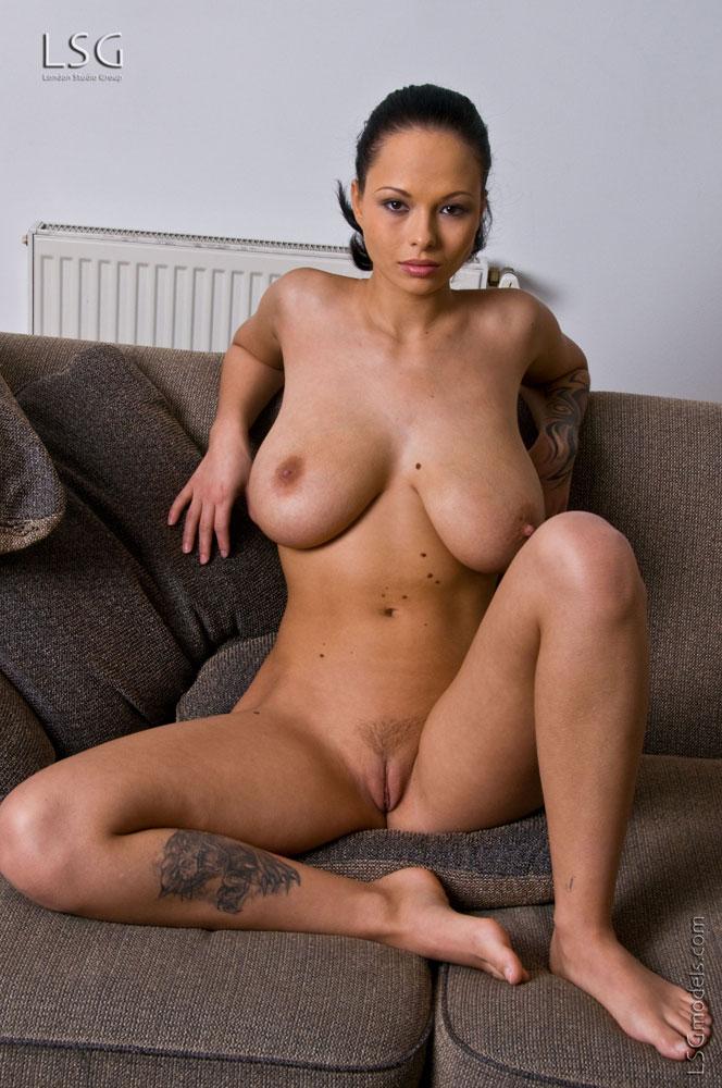 фото порно молодые девушки с большой грудью