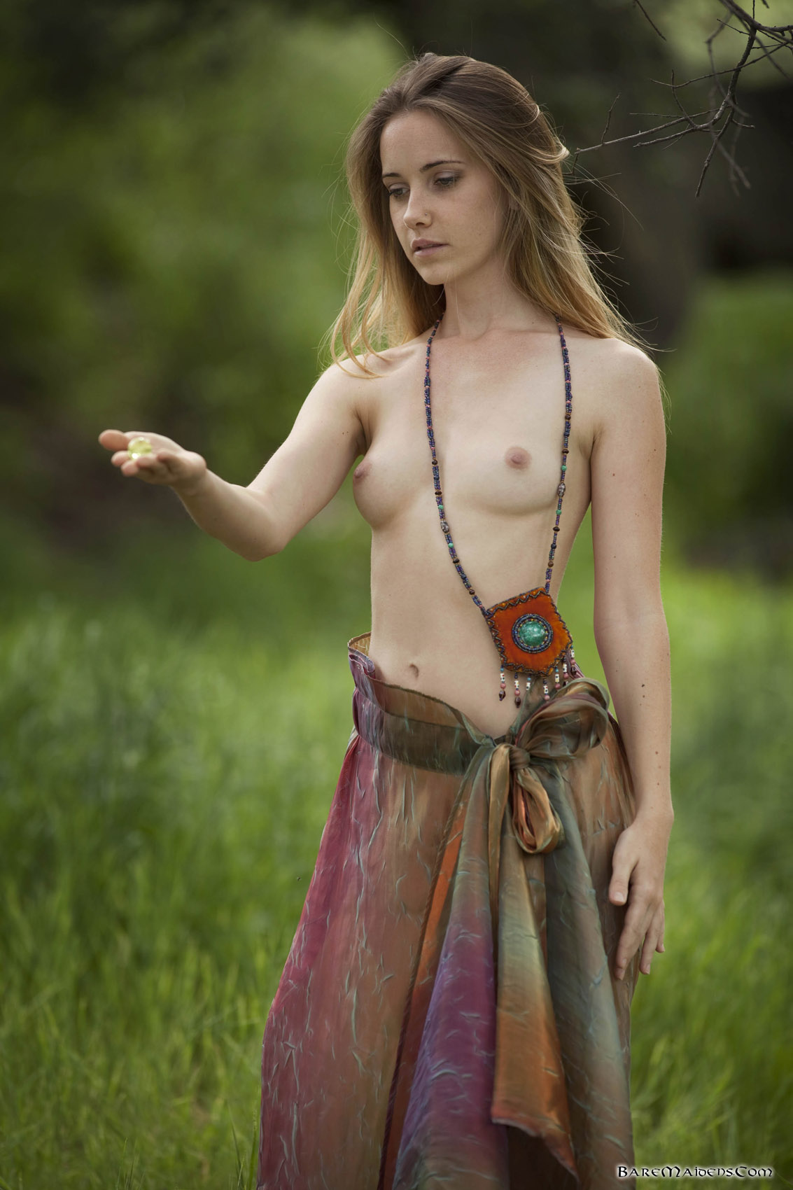 Young maiden nude