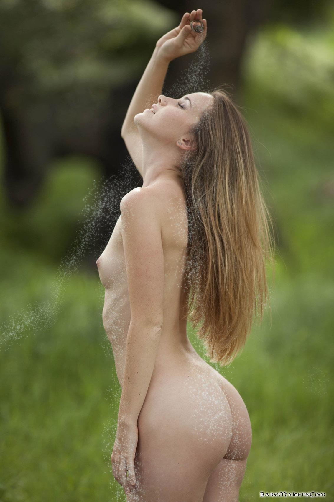 Forest naked girl-9163