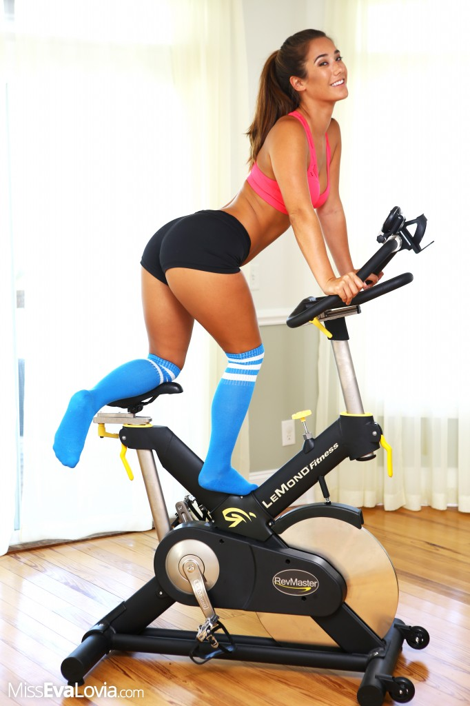 Exerise Bike Nude 80