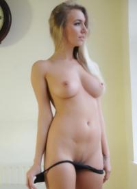 Hayley marie nude waitress apologise