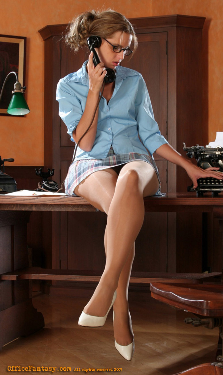 Horny office girl with her lover 7
