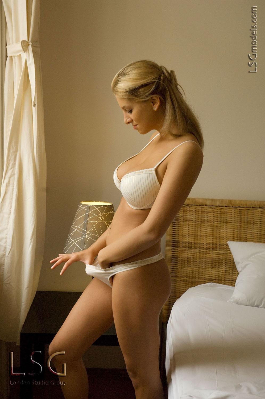 Full size model naked