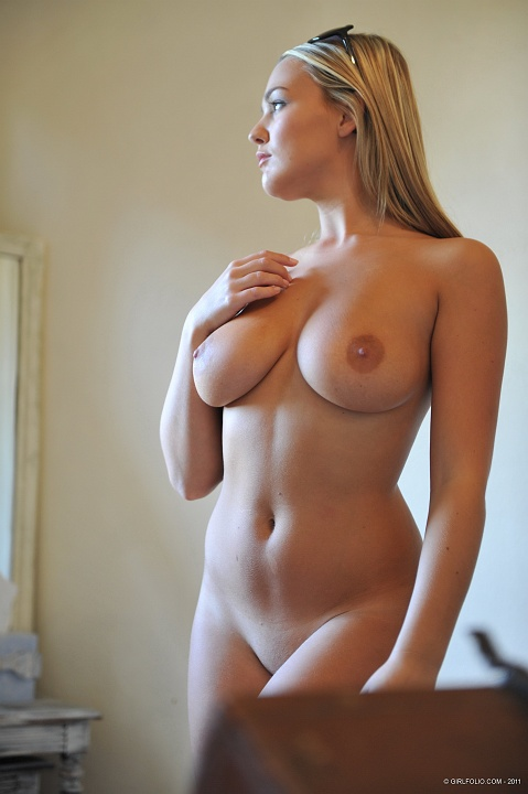 Click here to see more Jodie Gasson @ Girlfolio