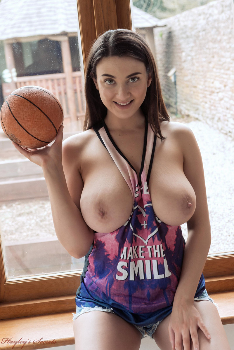 Nude in basketball