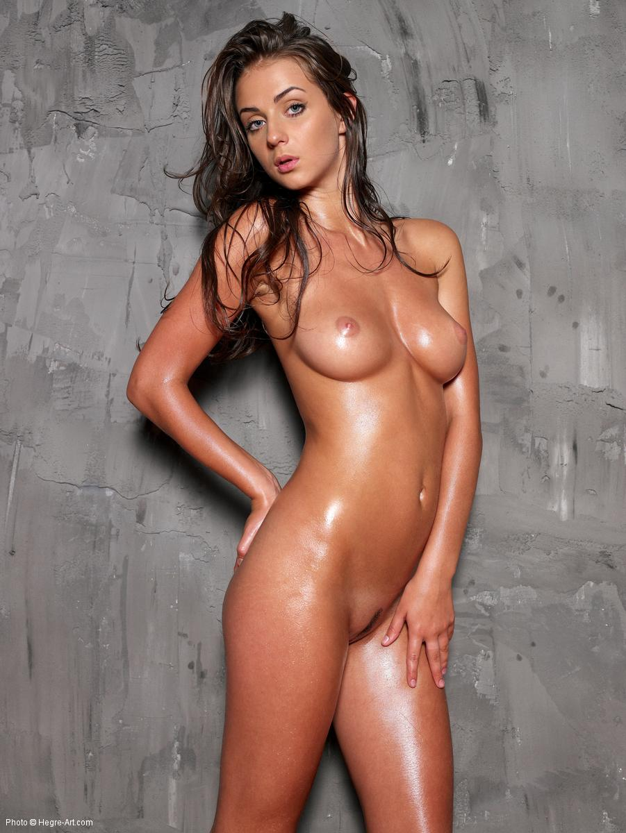Nude oiled model