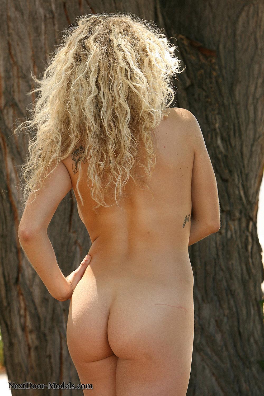 Justine Parker Busty Bikini Beauty-8951