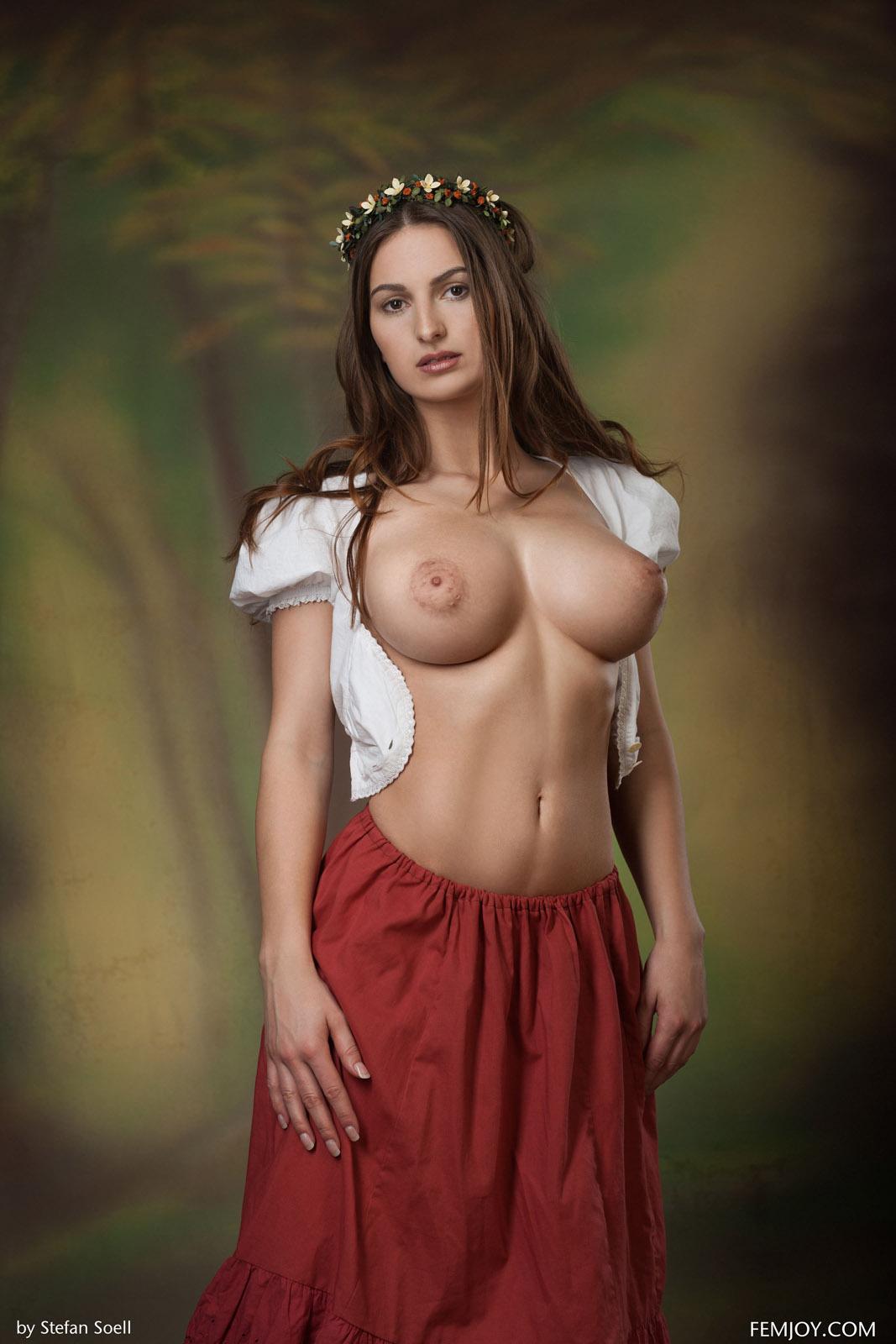 Nude beauty busty