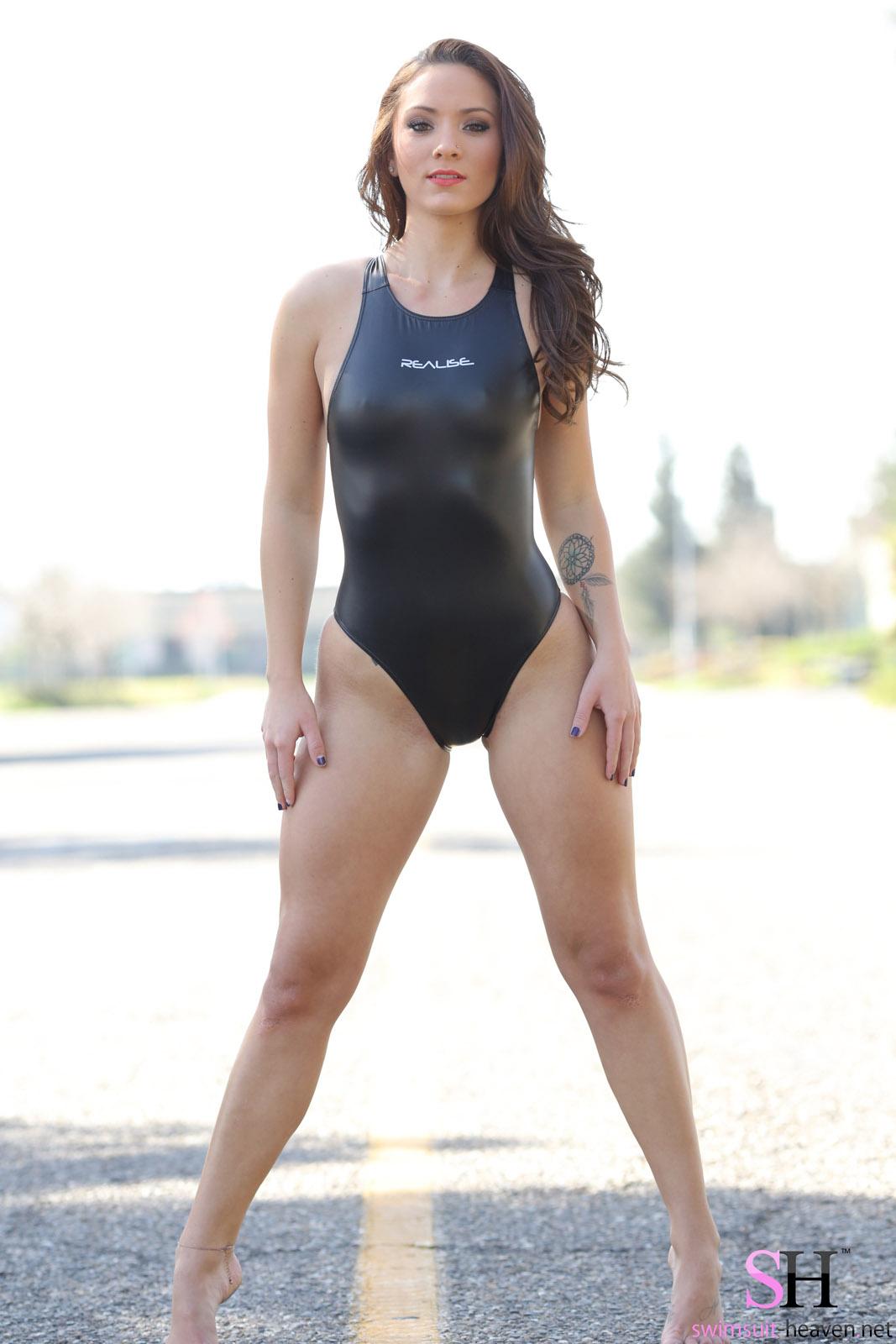 naked ass spreading girls