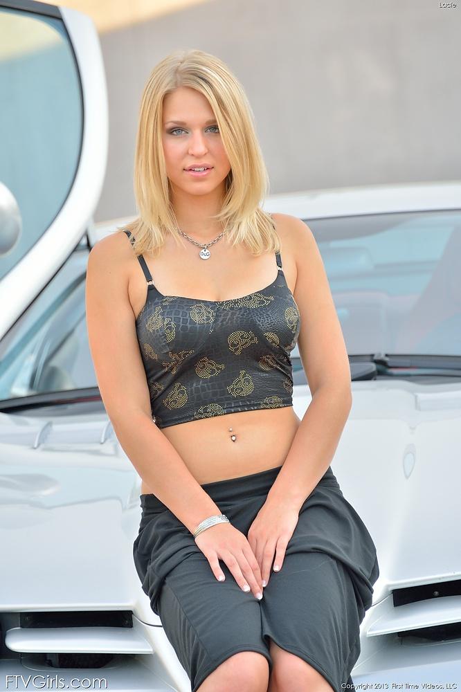 sexy hot white girl boobs nude