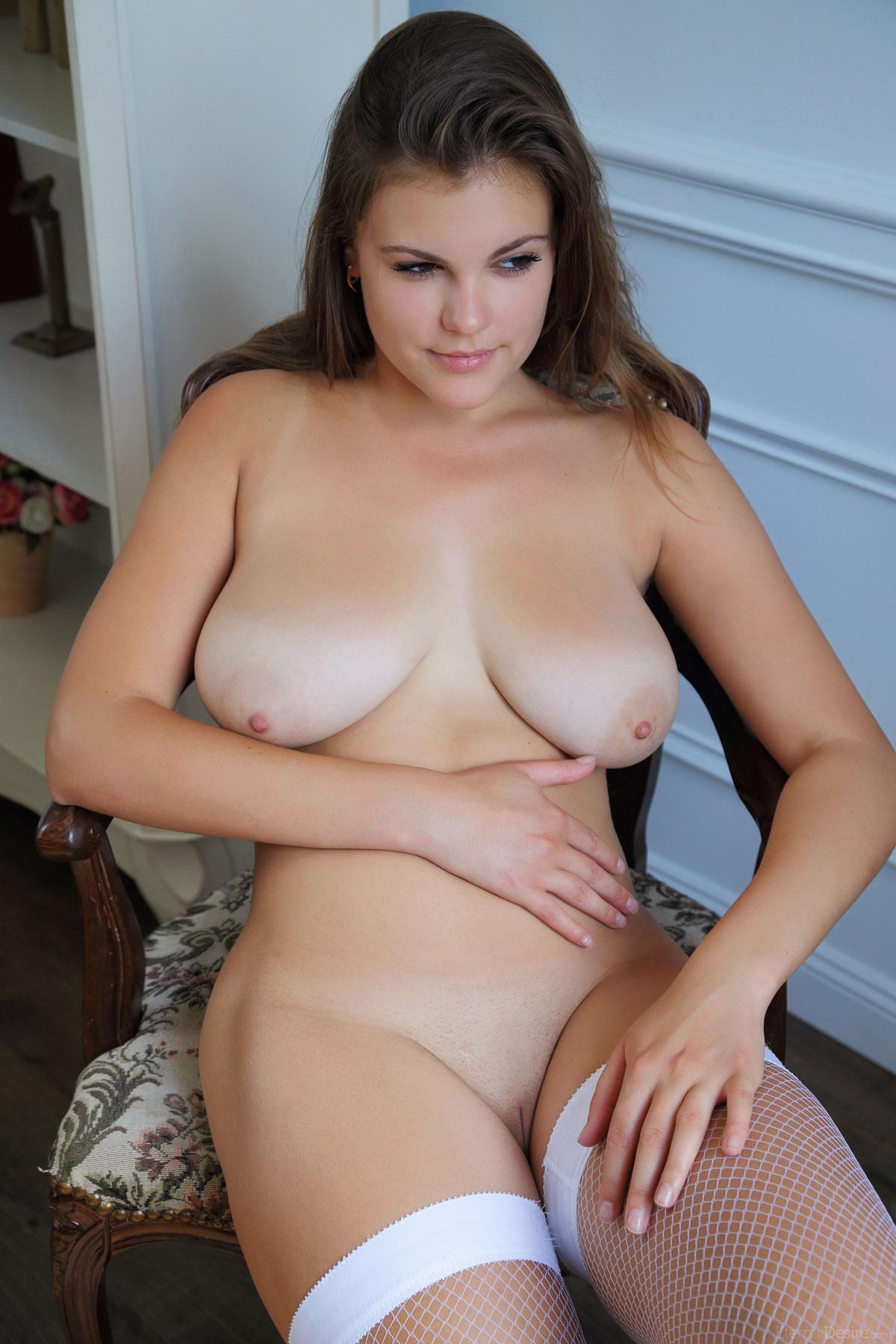 Lily allen boobs tshirt