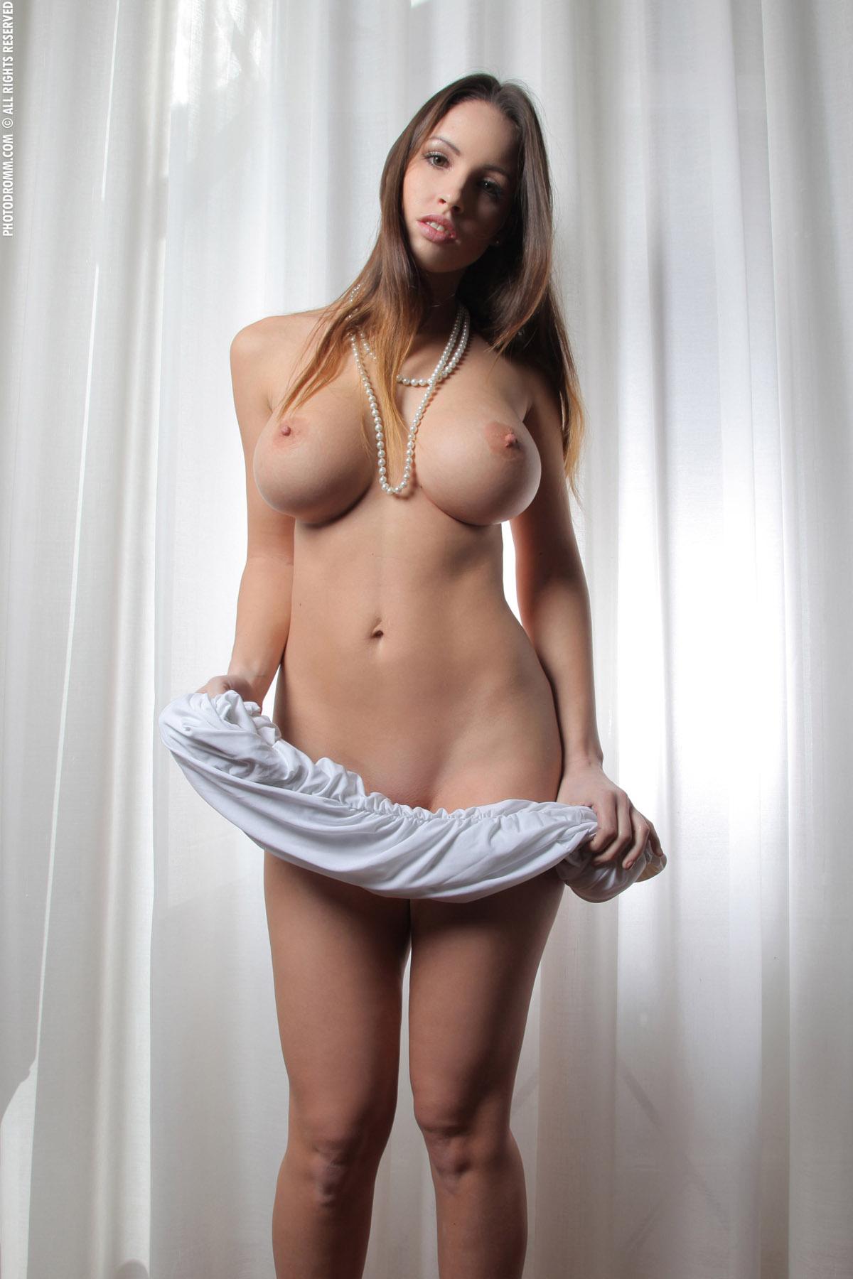 chleni-golih-russkih-parney