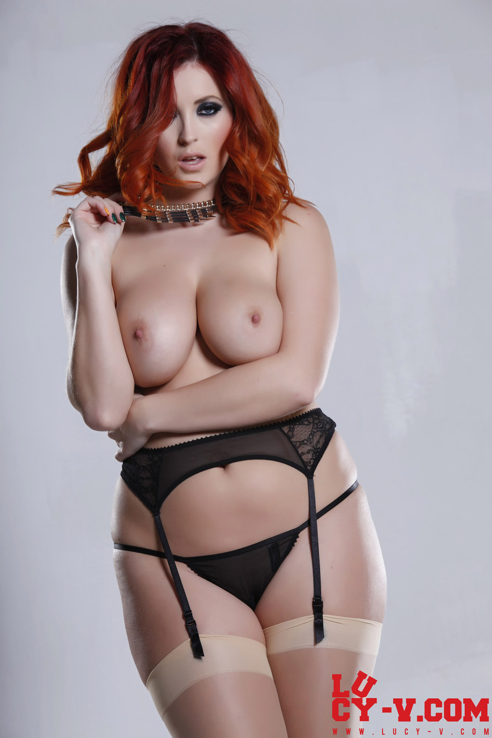 Chubby redhead shaved pussy