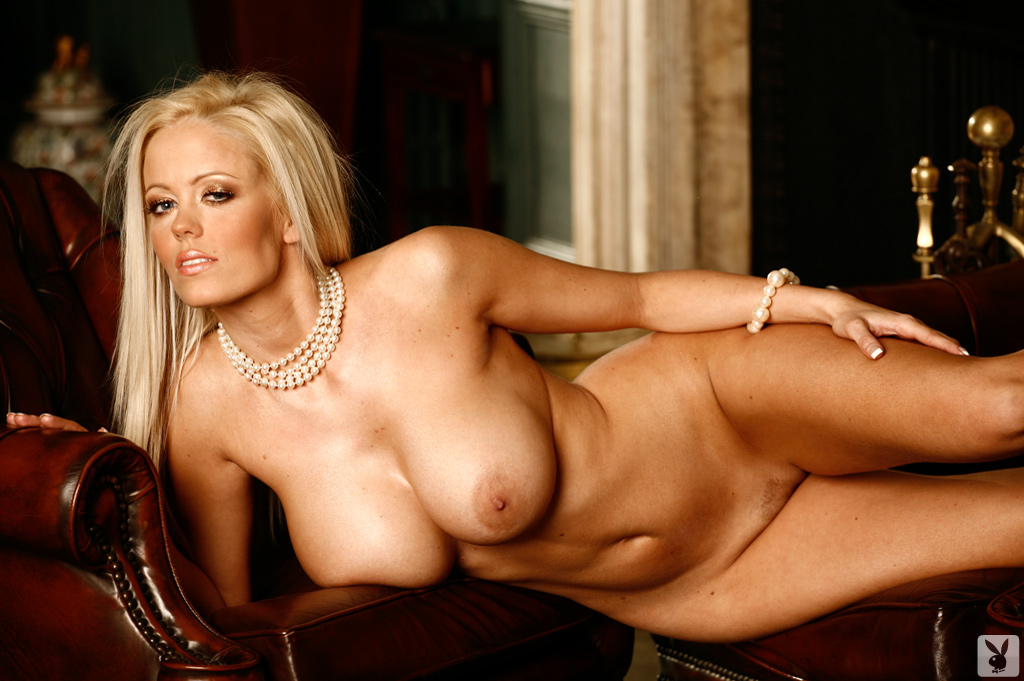 decent innocent actress meena nude boobs