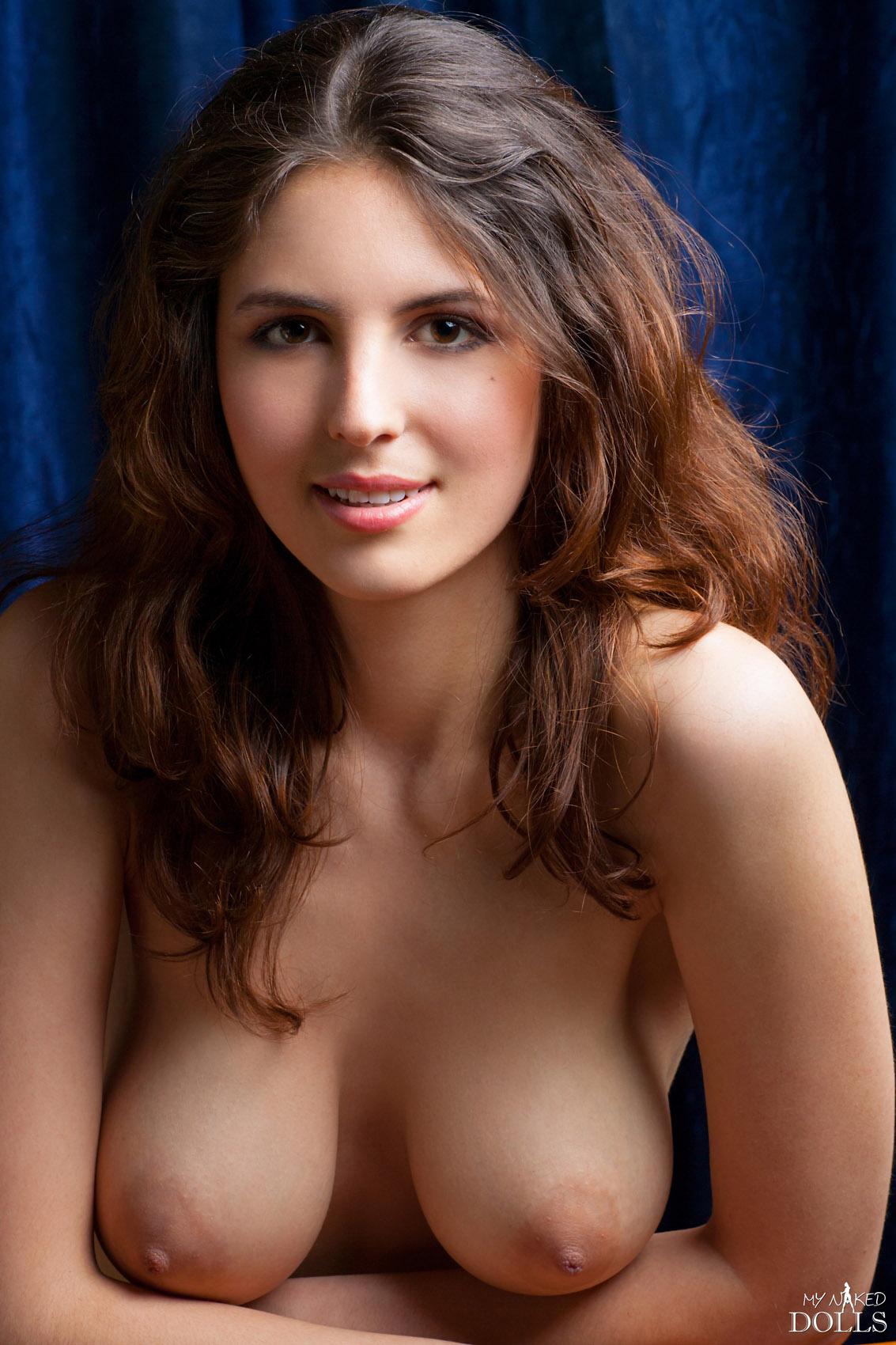 Marta big boobs erotica video