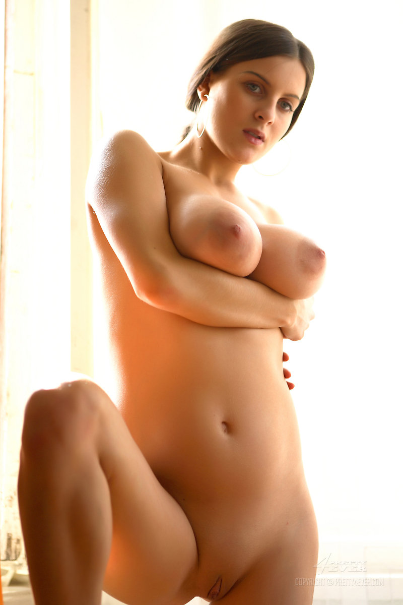 beautiful huge tit women naked