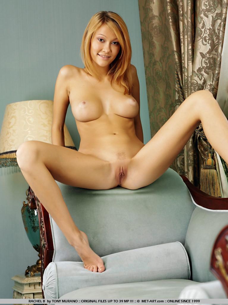 Rachel b met art pussy