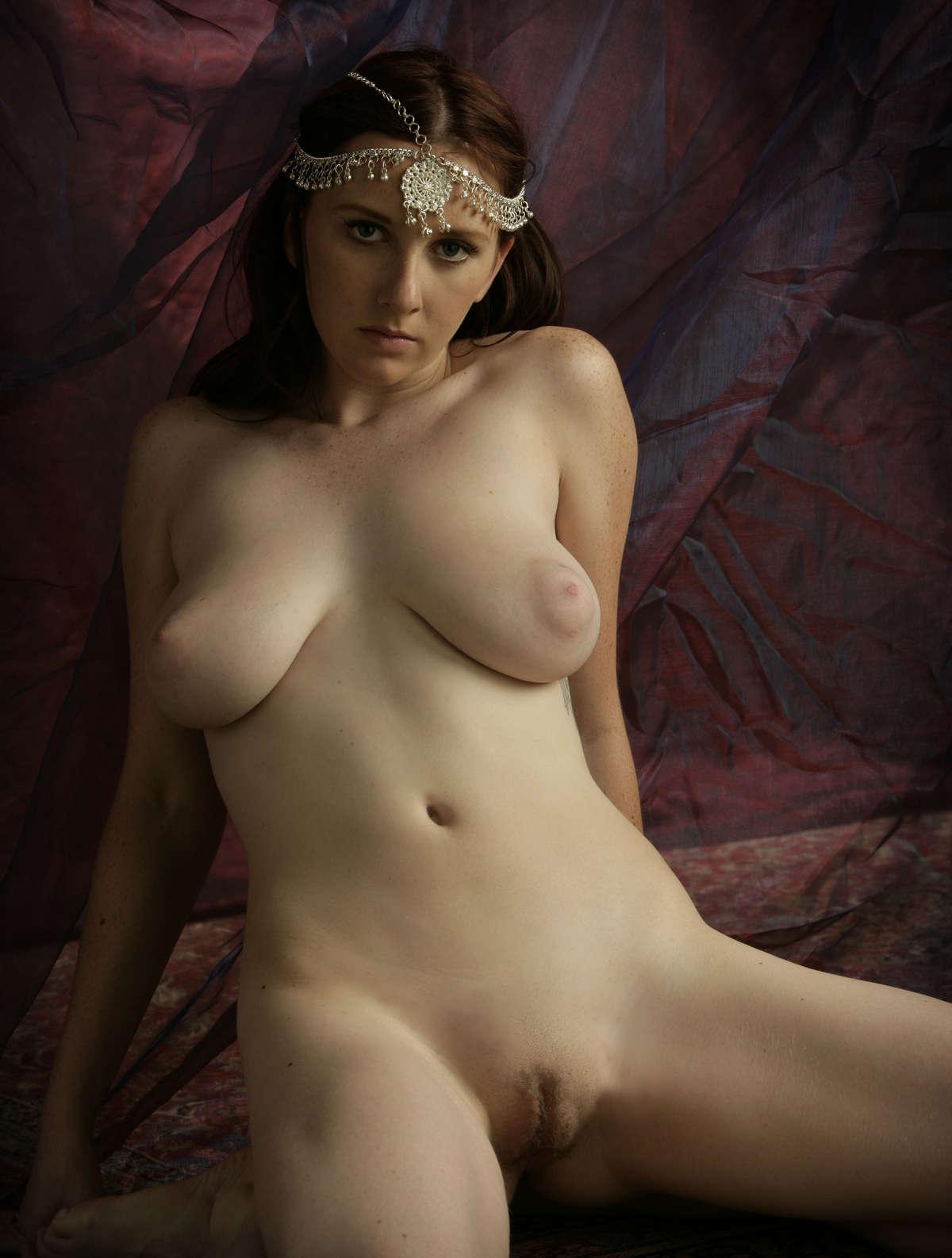 Sarah Bare Maiden-9604