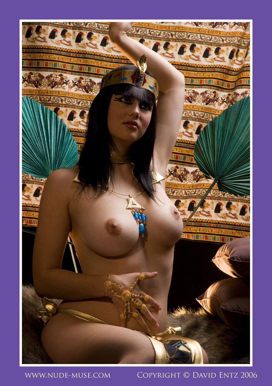 Kleopatra Nackt
