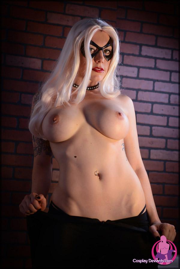 Alyx naked