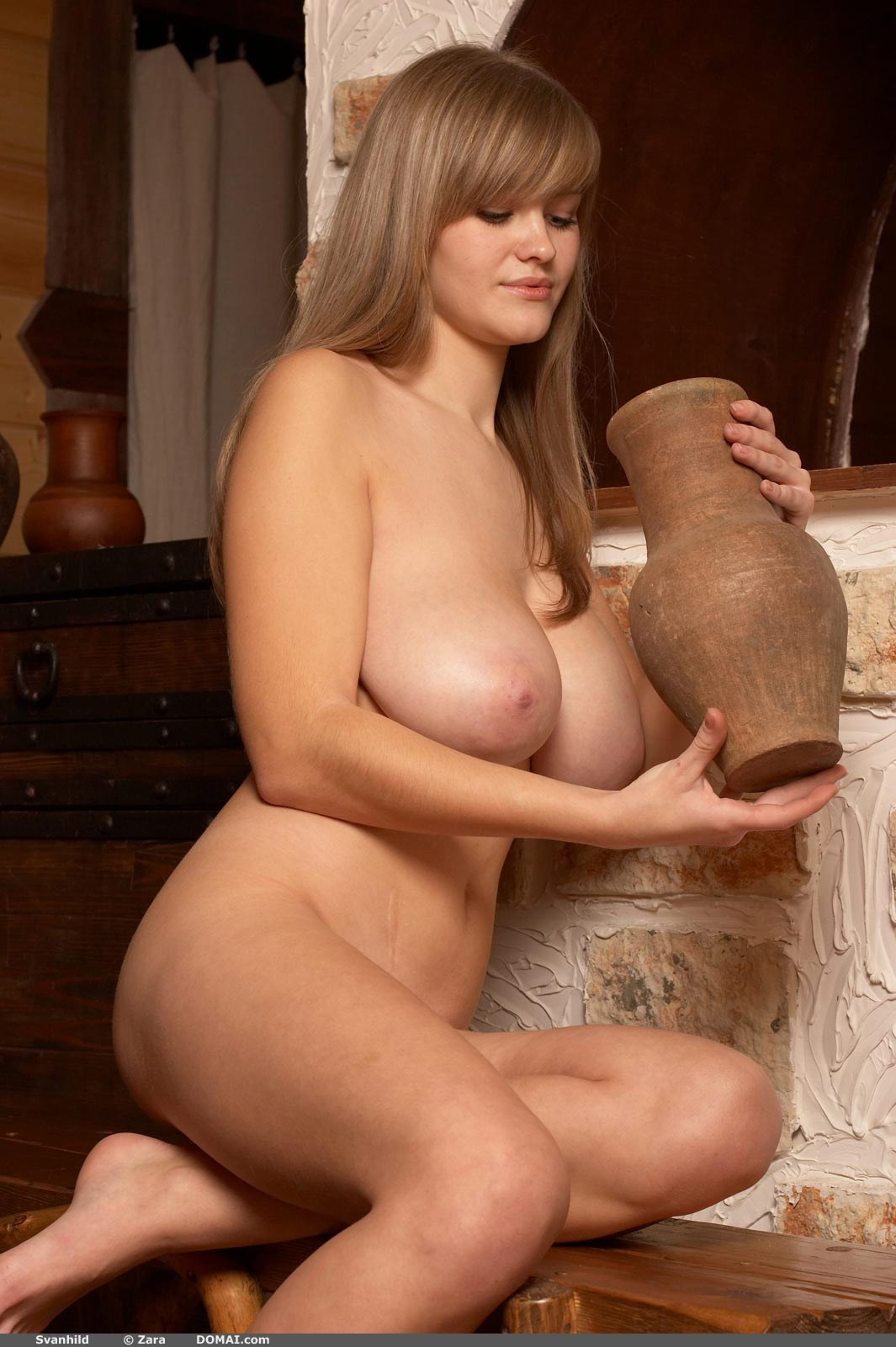 Nude petite women svanhild