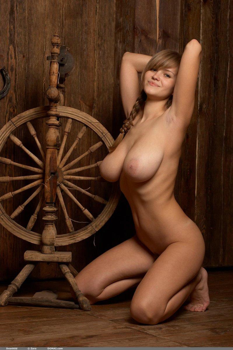 Sexy hot naked farm girls