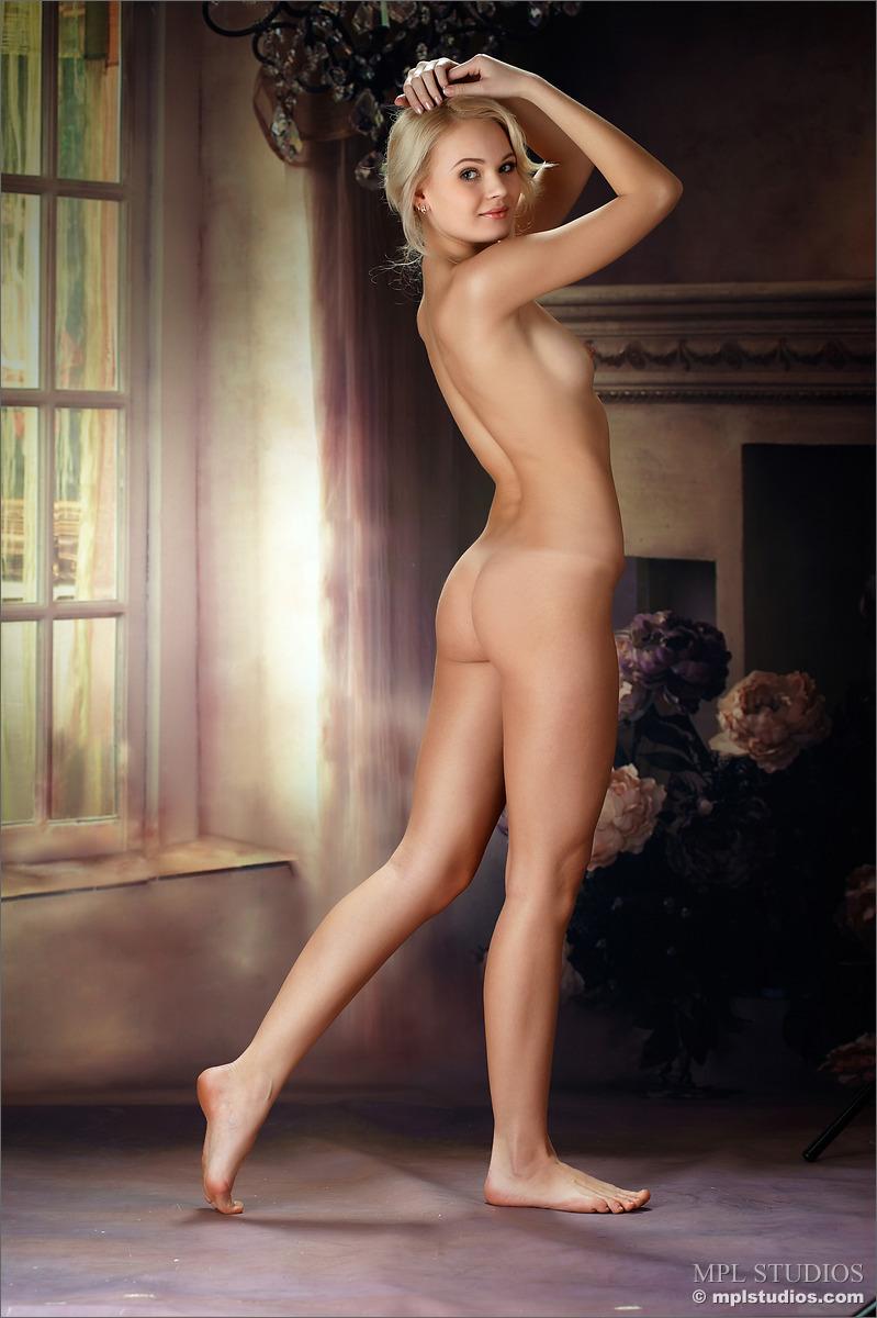 Dress up naked grils