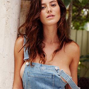 Alejandra Guilmant Busty Exotic Model