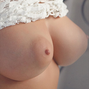 Alexis Adams Shows Off Her Perky Breasts