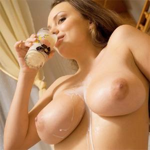Anastasia Loves Milk