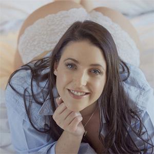 Angela White Morning Boobs