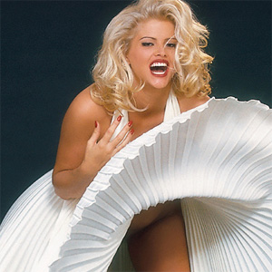 Anna Nicole Smith Busty