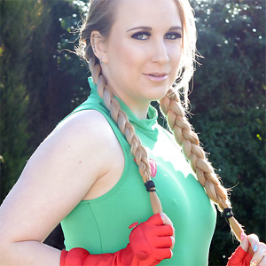 Anna Darling Cammy Cosplay