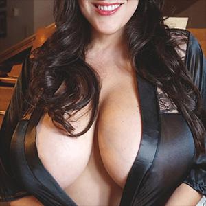 Antonella Kahllo Grand Piano Boobs