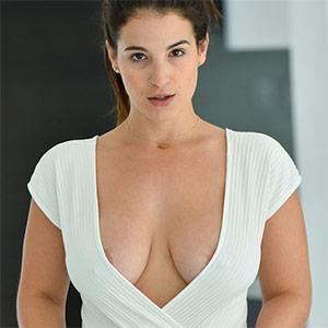 Antonella Is Super Busty In A Bodysuit