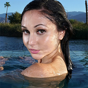 Ariana Marie Poolside Poser