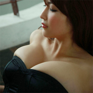 Asana Mamoru Sexy
