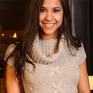 Bella Quinn Sweater Porn
