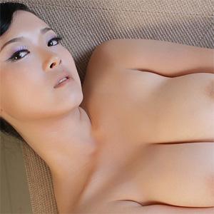 Bing Le Curvy Goddess